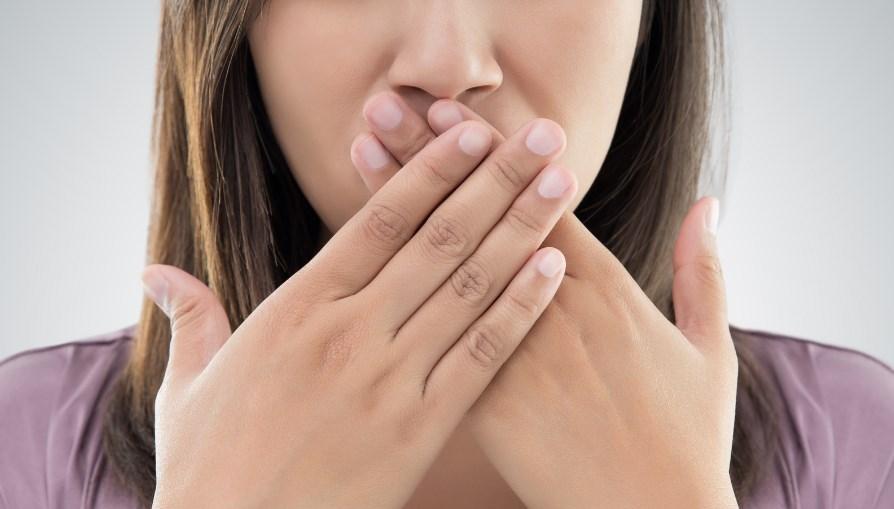 Ağız Kokusundan Kurtulmak İçin 5 Etkili Tavsiye
